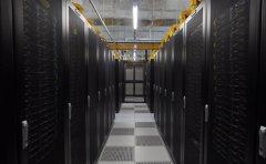 选择美国vps站群服务器与云服务器 自建vps